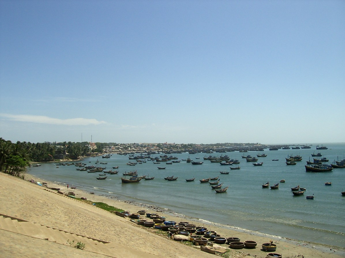 Central Coast of Vietnam Mui Ne Village - Central Coast of Vietnam: The best beaches and places to see