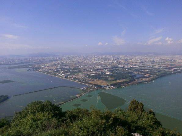 Yunnan Vistas Kunming desde Xishan - Qué ver en Kunming: Guía Completa de Viaje