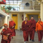 Travel Route for Northern India - McLeod Ganj - Monjes budistas