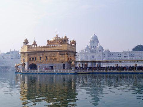 India - Templo Dorado de Amritsar de día