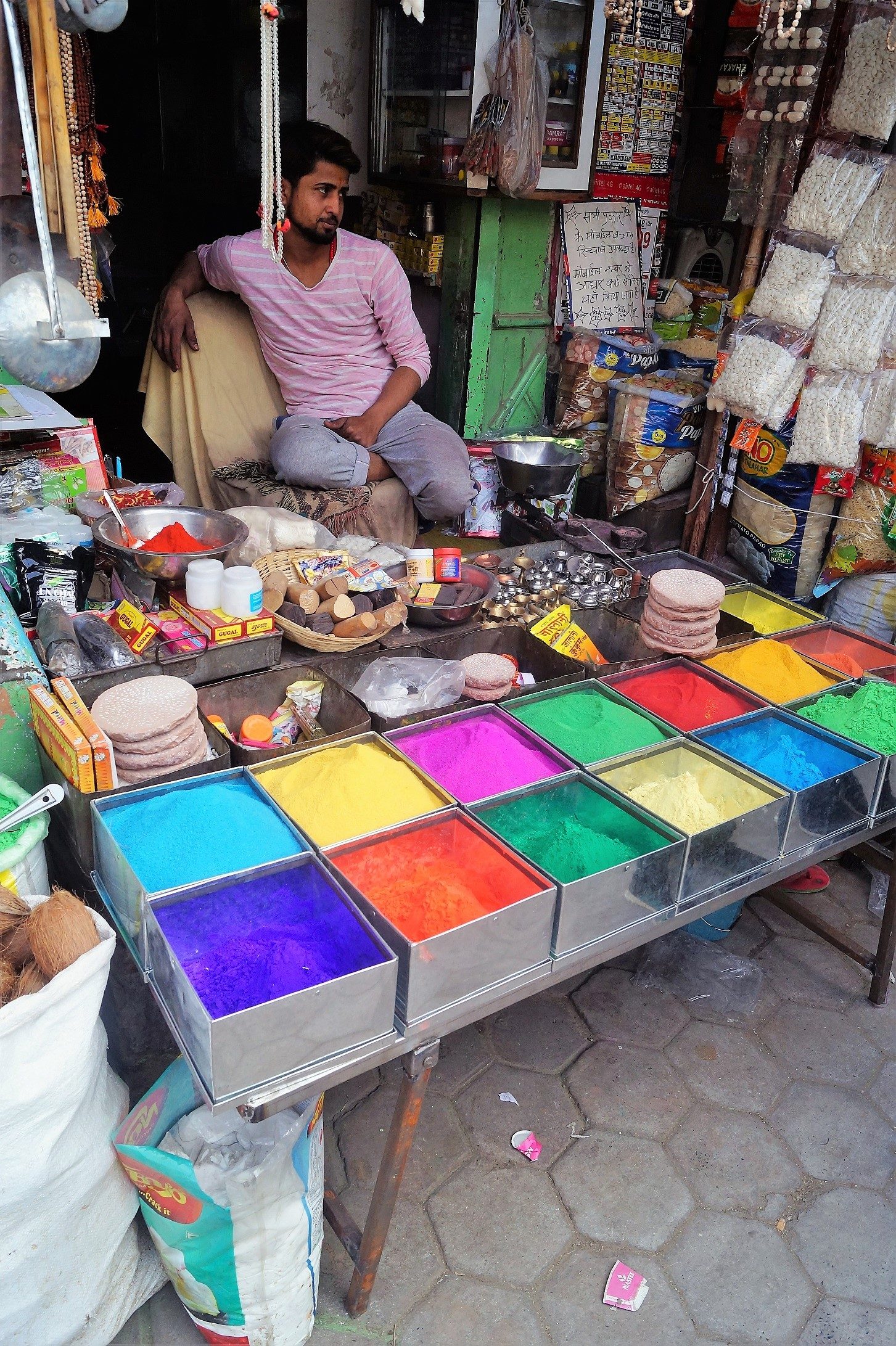 India Pinturas Holi Festival - Travel tips for India and country's curiosities