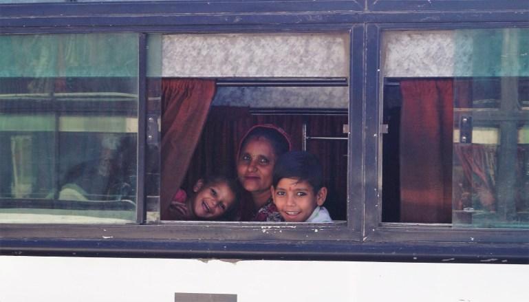India Sonrisas de la India 2 1024x585 - Consejos mochileros para viajar por la India por libre