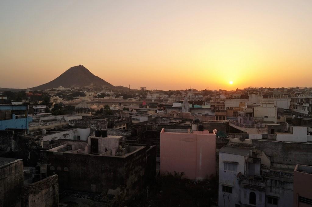 Pushkar Anochecer sobre Pushkar 1024x682 - Visita a Pushkar: los 5 mejores lugares que ver