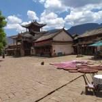 Viaje organizado a Yunnan - Shaxi - Plaza principal