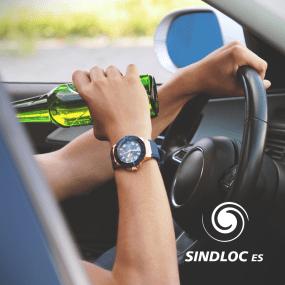 Nunca viaje depois de ingerir bebida alcoólica ou com sono.