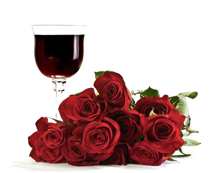 wine-glass-roses_GyziRPdu