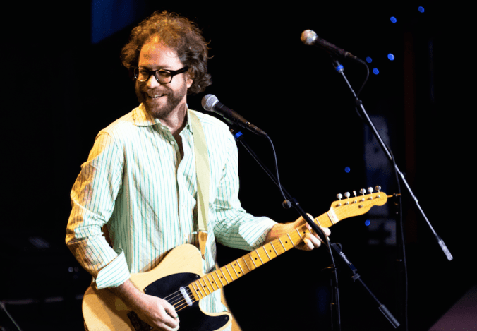 jonathan coulton with guitar