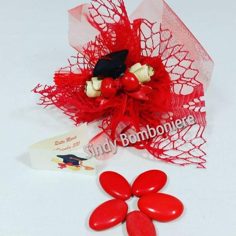 BOMBONIERE per LAUREA economiche tocco pergamena confetti