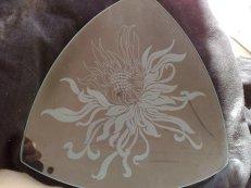 graviertes Glas Schale Dreieckig