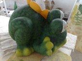 Frosch aus Terrakotta fuer den Garten