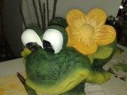 Frosch mit Blume aus alt mach neu