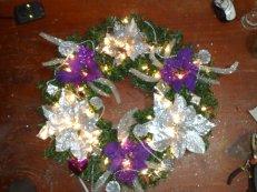 weihnachtlicher Kranz mit Beleuchtung in Lila Weiss 45cm Ø