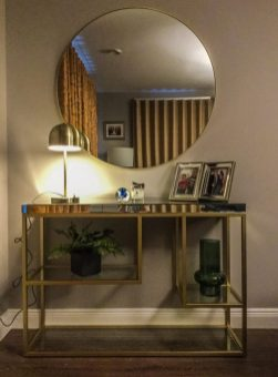 Living room design- a console table favourite with ciricular mirror