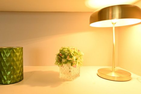 Book shelf vignette with lamp from interiosity - Sinead Cassidy Design