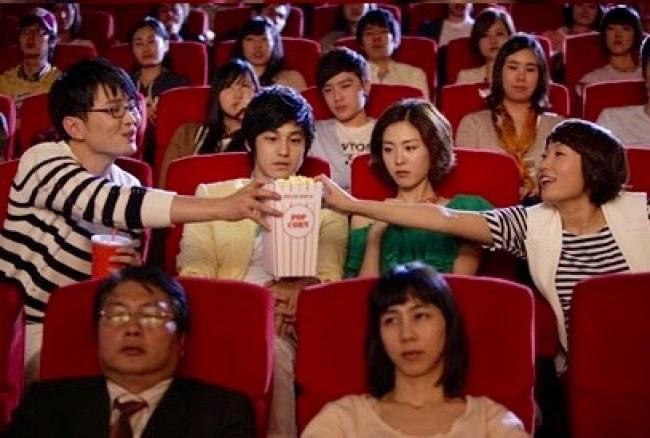 sinema-salonu-mısır-yemek
