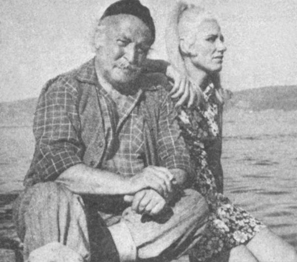 """Kim demiş """"Yaş 35... Yolun yarısı eder"""" diye... Yeşilçam'ın en kıdemli oyuncularından Nubar Terziyan'ın yaşı bugün """"2x35""""tir ve dimdik ayaktadır. Günümüze değin 300'den fazla filmde çeşitli rolleri canlandıran Nubar Terziyan en çok """"Denizden Gelen Kadın"""" filminde (üstte) oynadığı balıkçı reisi rolünü sever..."""