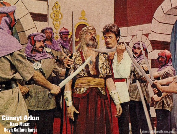 Cuneyt Arkin - Kostume 0009