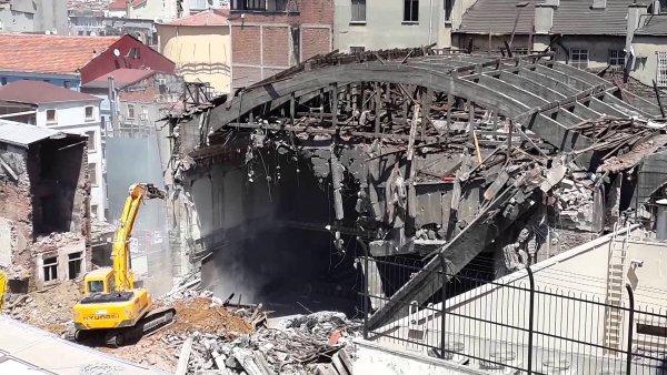 emek-sinema-yıkım Emek Sineması