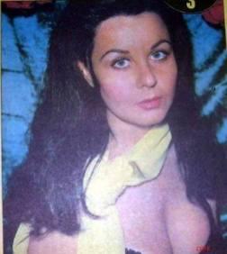 Fatma Girik 019