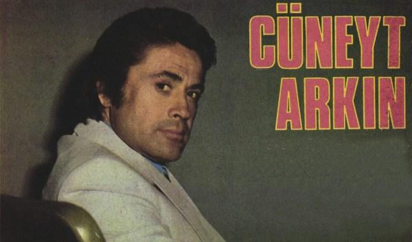 Джунейт Аркын Продюсер, режиссёр, сценарист и актёр – Джунейт Аркын - Hey dergisi журнал Hey, 7 марта 1977 год