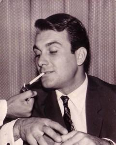 Orhan Günşiray sigara