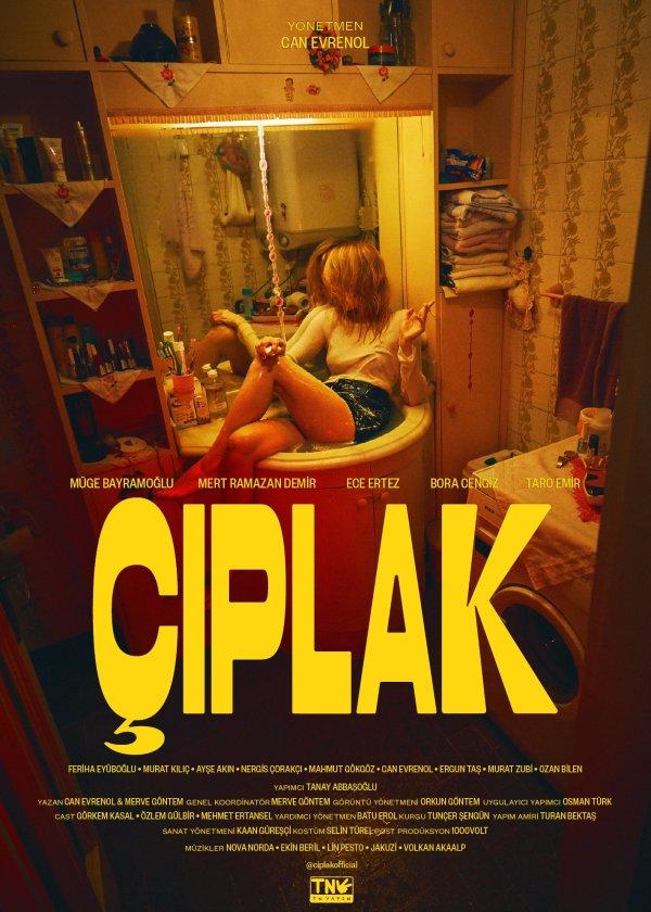 Mini dizi Çıplak: Can Evrenol'dan bir kadın hikayesi. Can Evrenol'un yönettiği 8 bölümlük mini dizi Çıplak, BluTV'de ilk iki bölümüyle gösterime girdi. Filmin başrolünde, Müge Bayramoğlu yer alıyor.