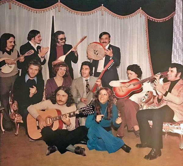 Kayıtlı müzik tarihi araştırmacısı, meraklısı, koleksiyoner Münir Tireli, Türkiye'nin ilk pop yıldızı Erol Büyükburç'un yaşamı ve kariyerini anlattığı Erol Büyükburç: Story of a Turkish Glam Crooner kitabını, e-kitap formatında yayımladı. Erol Büyükburç'un evinde; Moğollar, Cem Karaca, Selda Bağcan, Vasfi Uçaroğlu, Gönül Akkor, Hümeyra, Selçuk Ural ve Erol Büyükburç.