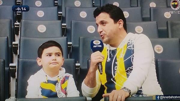 Ersin Demirel'in katıldığı ve geçtiğimiz hafta  Fenerbahçe Tv'de yayınlanan Sarı Lacivert Hayatlar programını youtube'tan izleyebilirsiniz