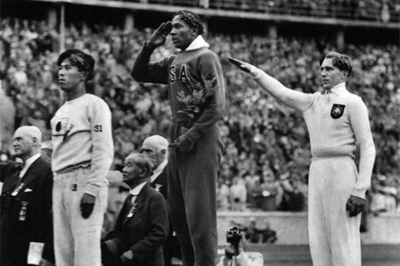 Jesse Owens y el alemán Luz Long (derecha) Foto: Twitter