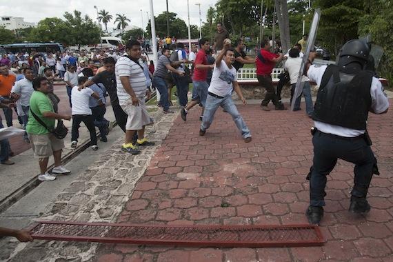Con la aprobación de la Ley de Ordenamiento Social en Quintana Roo, los manifestantes tendrán que pedir permiso antes de realizar una marcha o protesta. Foto: Cuartoscuro