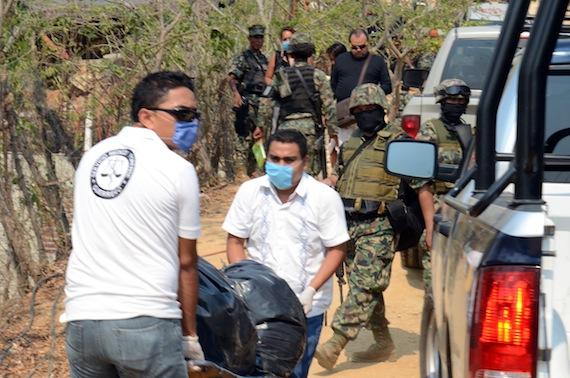 El 17 de noviembre, las autoridades de Guerrero hallaron los restos de 13 personas en dos fosas clandestinas. Foto: Cuartoscuro