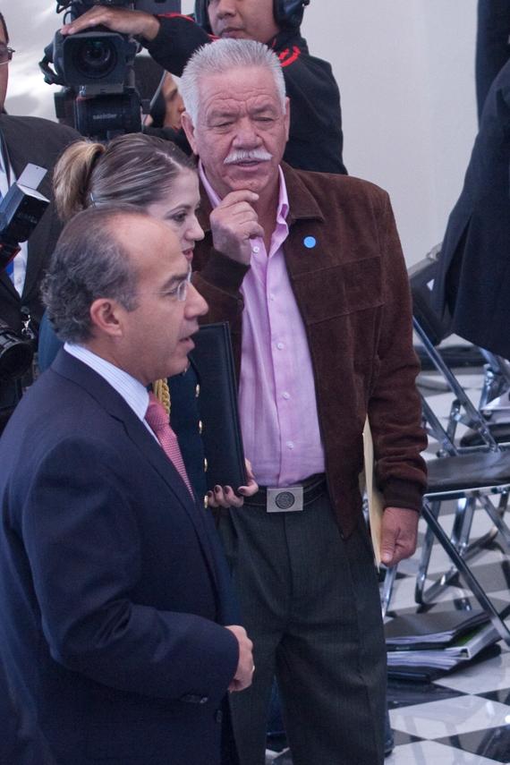 El 14 de octubre de 2011, Nepo  acudió a los Diálogos por la Paz, en el Alcázar de Chapultepec. Un mes y medio después estaba muerto. foto: Cuartoscuro