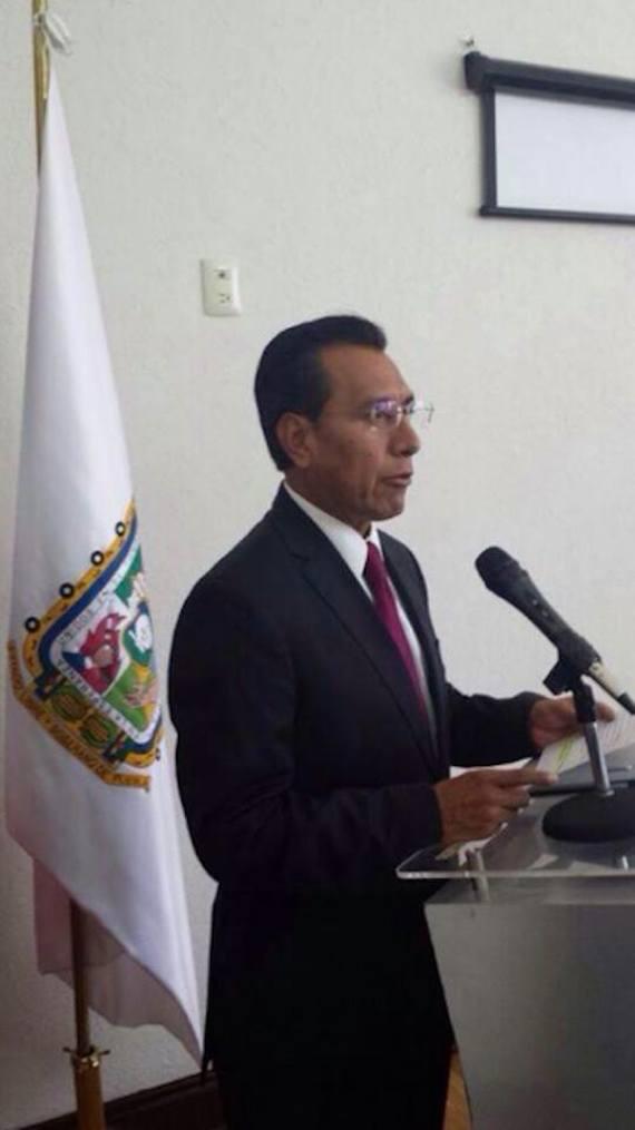 """Facundo Rosas, titular de la SSP de Puebla, dijo que """"a pesar, que desde un primer momento, se negó el uso de balas de goma durante el operativo, algunos medios de comunicación han continuado difundiendo que sí las hubo"""". Foto: Twitter vía @SSP_Puebla"""
