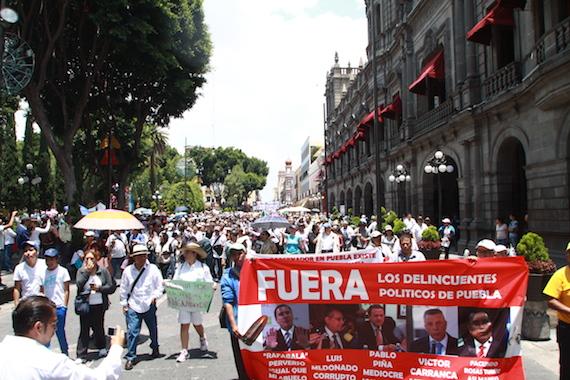 Los organizadores calcularon entre 12 mil y 15 mil personas. Foto: Antonio Cruz, SinEmbargo.
