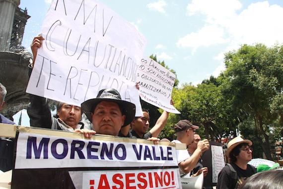 La marcha inició alrededor de las 11 desde el Triángulo de las Ánimas. Foto: Antonio Cruz, SinEmbargo.