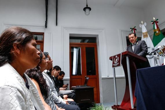 Elia Tamayo escuchó las recomendaciones de la CNDH sobre el caso Chalchihupan. Foto: Francisco Cañedo, SinEmbargo