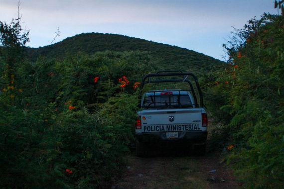 Brigadas encontraron cuatro fosas más cerca de donde estaban los primeros entierros. Foto: Antonio Cruz, SinEmbargo
