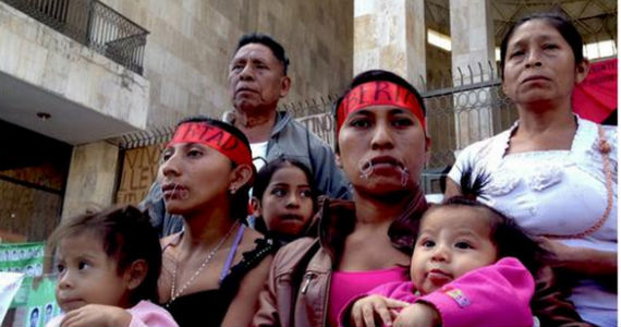 Gómez Girón ha luchado por la defensa de los derechos humanos y su territorio desde el año de 1994. Foto: Twitter de Víctor Lara.