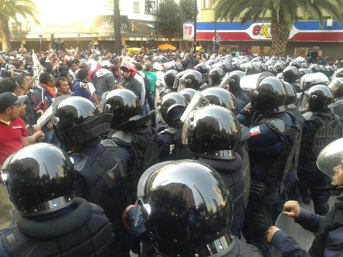 Los profesores de la CNTE  denunciaron al GDF de intimidarlos. Foto: SinEmbargo.