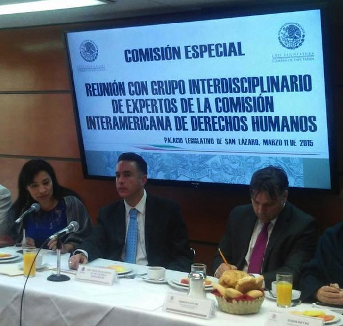 Los expertos de la CIDH sostuvieron una reunión con los diputados que integran la Comisión Especial del caso Iguala. Foto: Twitter vía @diputadospan.