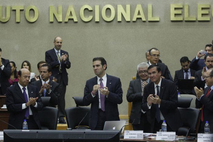 Consejeros del INE y representantes de los partidos políticos. Foto: Cuartoscuro
