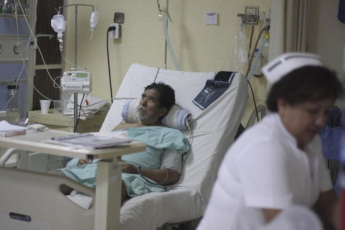 Existe desigualdad entre los servicios médicos que prestan las distintas entidades del país. En la imagen paciente es atendido en el Hospital Civil, Dr. Aurelio Valdivieso de Oaxaca. Foto: Cuartoscuro
