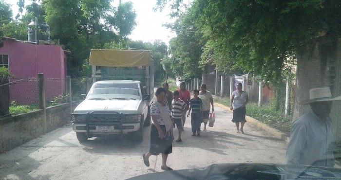 Unas 200 personas han dejado sus casas en la comunidad de Las Tinajas, en Guerrero, por presuntas amenazas de grupos delictivos. Foto: Israel Flores, El Sur