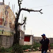 El agua solo esta? disponible mediante el abasto de pipas, otro negocio conectado con Antorcha Campesina. Foto: Humberto Padgett, Sinembargo