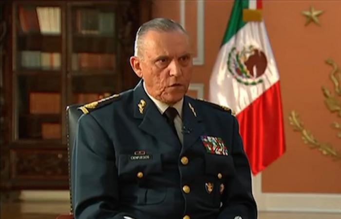 El General Salvador Cienfuegos lamentó lo sucedido con los 43 normalistas, pero insistió que involucrar al Ejército es algo muy grave. Foto: Captura de pantalla.
