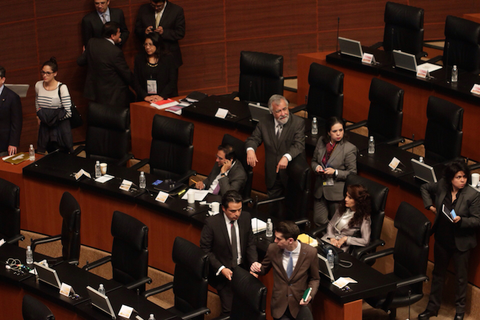 La sesión del pleno del Senado dio inicio alrededor de las 20:00 horas. Foto: Francisco Cañedo, SinEmbargo