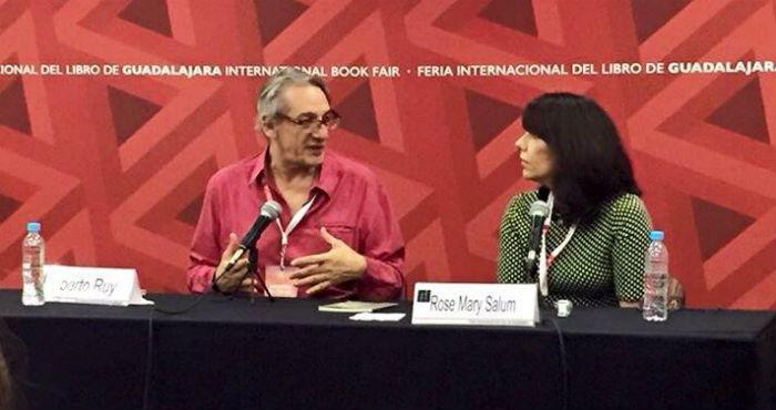La escritora presentó su libro en la FIL junto a Alberto Ruy Sánchez. Foto: Facebook