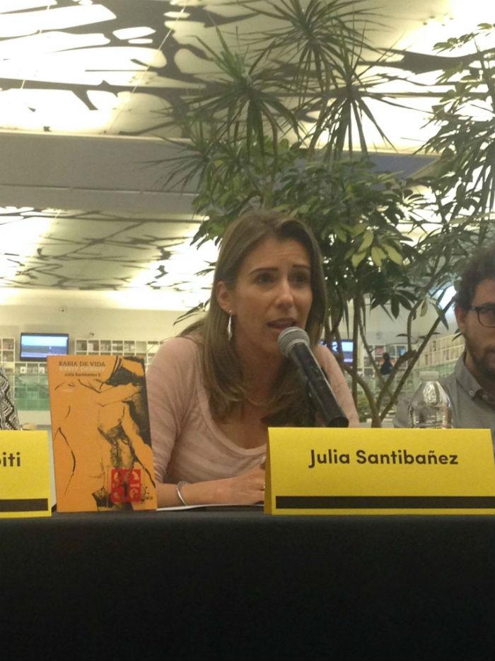 La poeta, en la presentación de su libro. Foto: Facebook