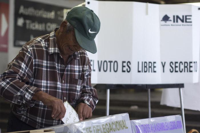 México reprueba en participación política (4.4) mientras que el funcionamiento del gobierno obtiene un raquítico 6.1 de calificación. Foto: Cuartoscuro