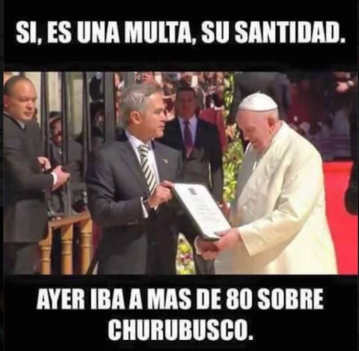 Usuarios de redes no dejaron pasar la oportunidad para crear memes alusivos a la vista del Papa Francisco. Foto: Especial